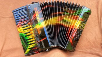 Permalink auf:Customized Accordion – The Hooters
